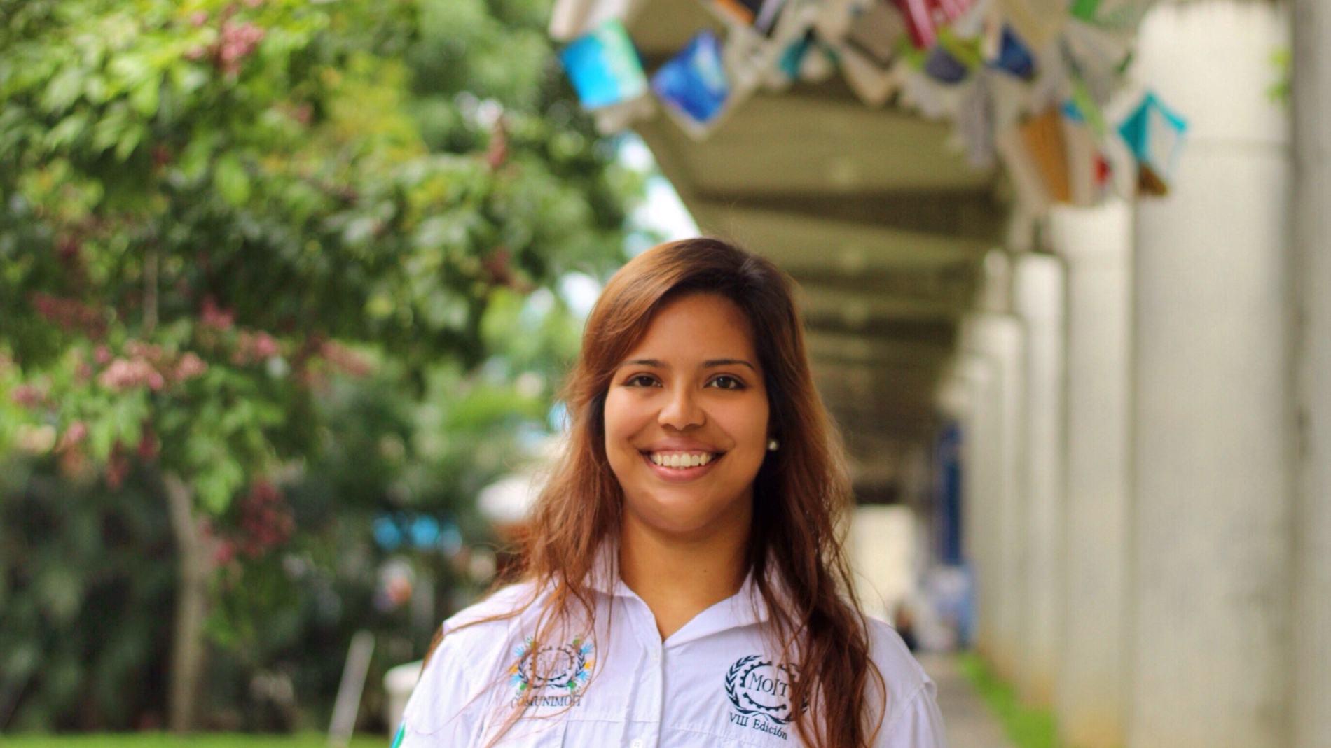 Adriana Toro